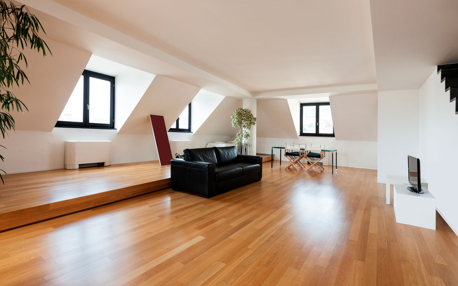 Vaughan-Healthy-Hardwood-Floor-Finishing