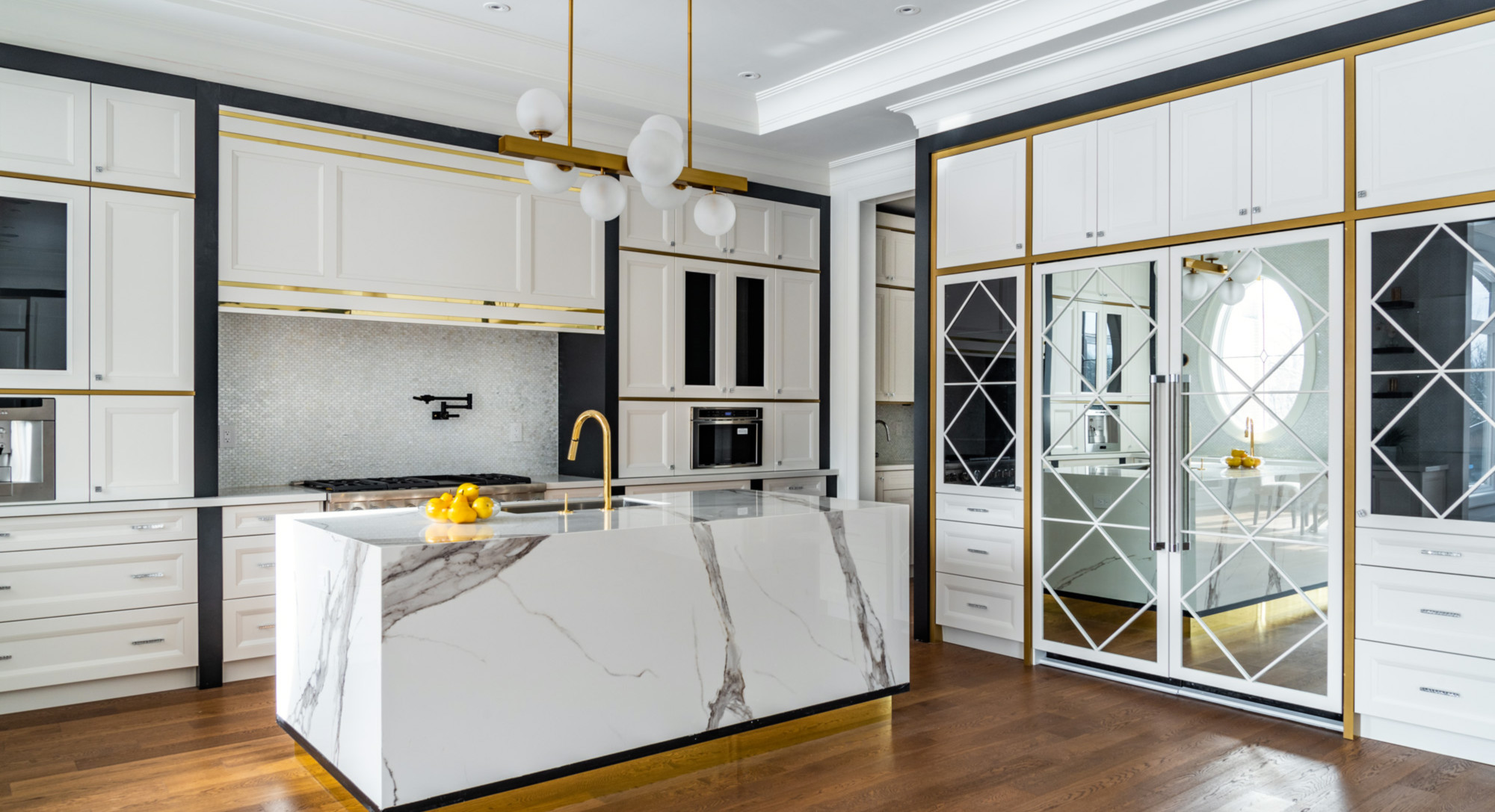 elegant-marble-kitchen
