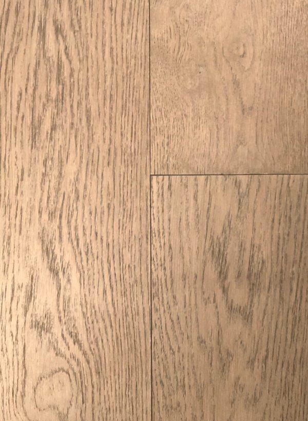 European White Oak - Engineered Hardwood - Lightly Wire Brushed - CF1032021