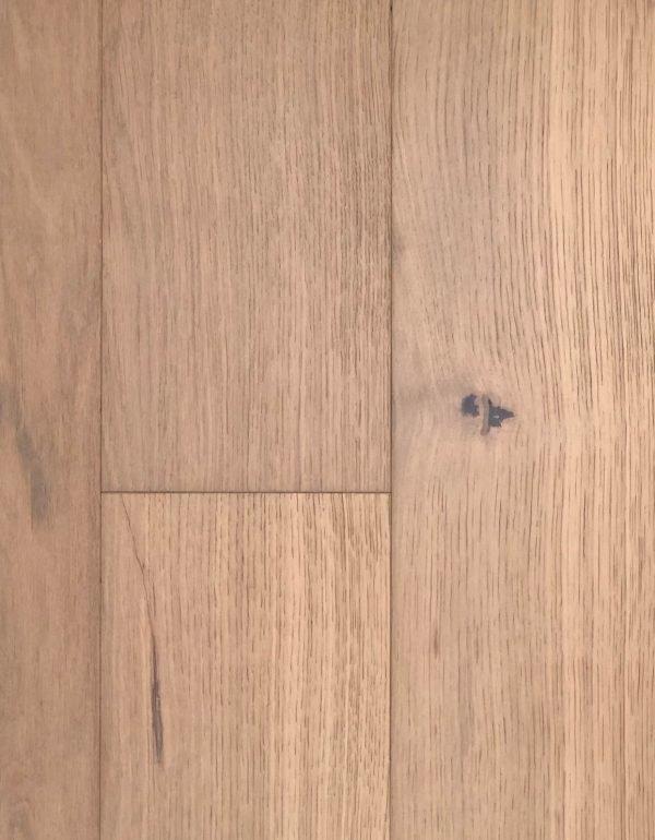 European White Oak - Engineered Hardwood - Lightly Wire Brushed - CF1032121